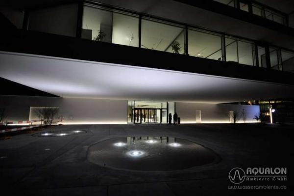 """Wasserspiel """"Aqualon Vaduz"""" mit Strömungs-Effekten und Beleuchtung"""